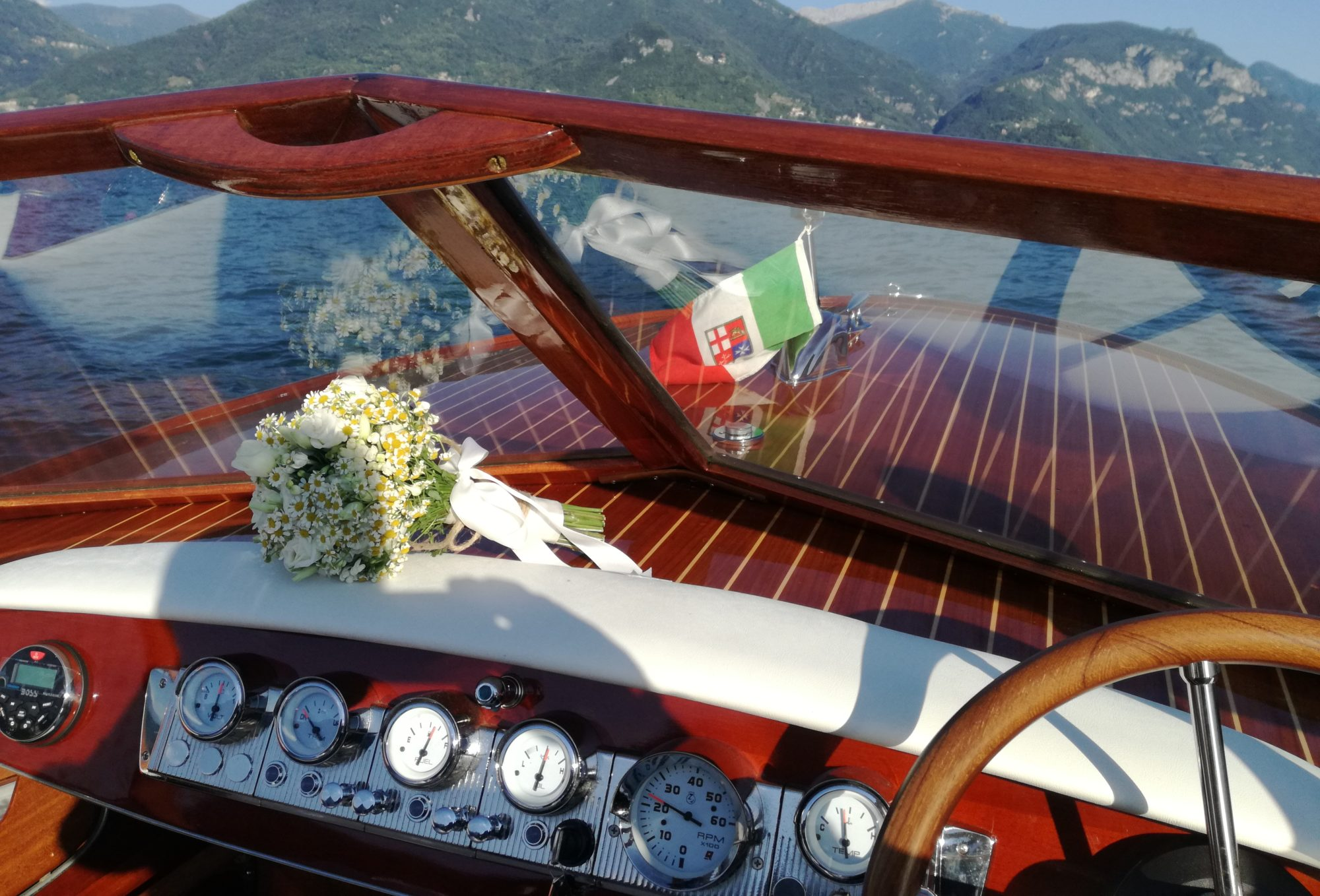 AC BOAT- LUXURY SERVICES